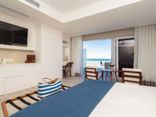 Luxurious beds and ocean views